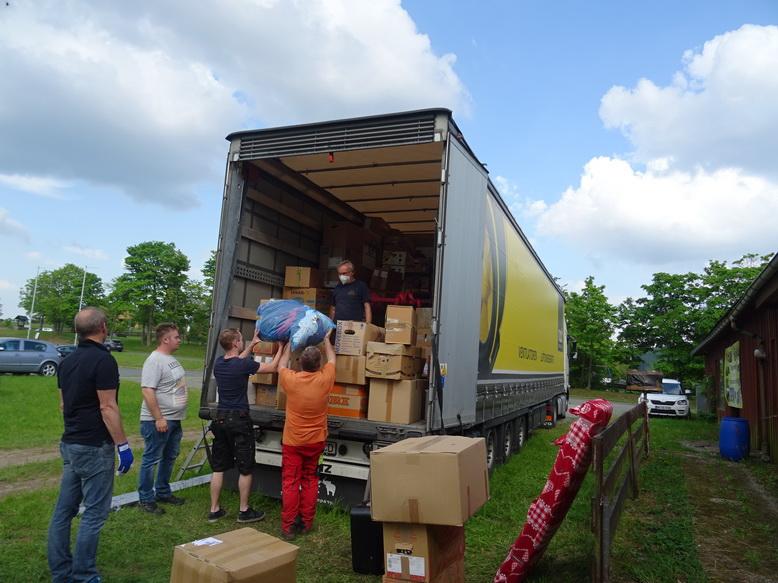 Hilfsgüter unterwegs